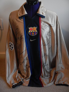 Barca_2001_signed_a_2x4.jpg